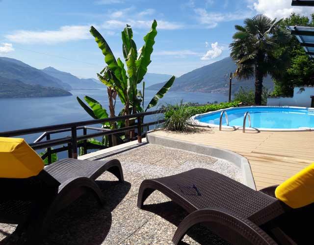 Ferienwohnungen mit Pool und Sonnen-Liegewiese
